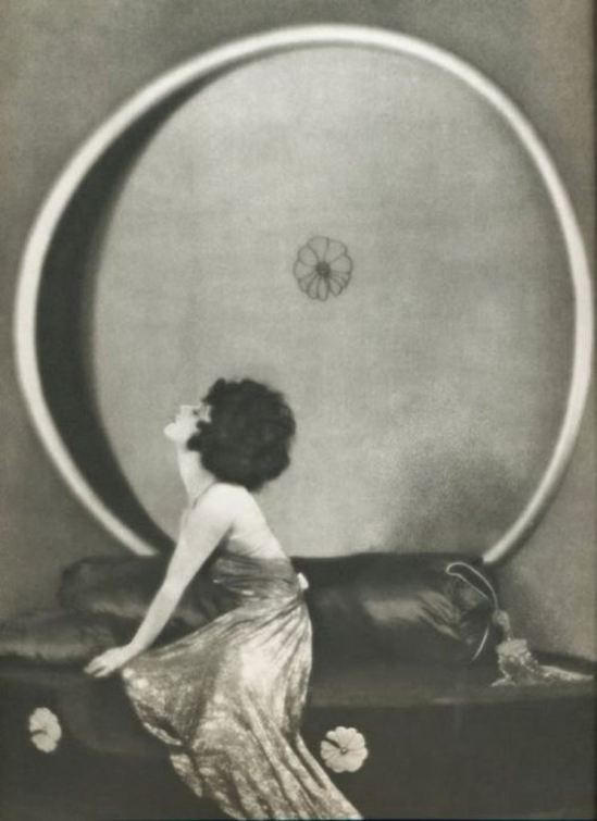 Alla Nazimova in portrait for Camille 1921, directed by Ray C.Smallwood, photo by Arthur F.Rice Via theredlist