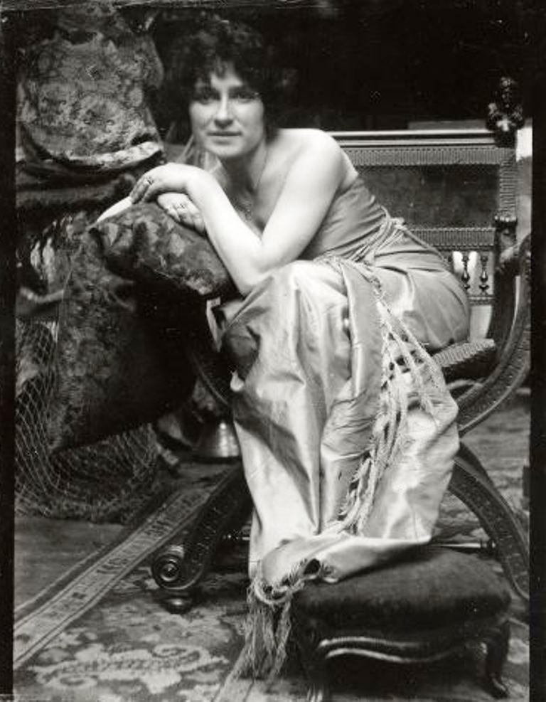 Alphonse Marie Mucha. Model posing in Mucha's studio rue du Val de Grâce 1899-1900 Via muchafoundation