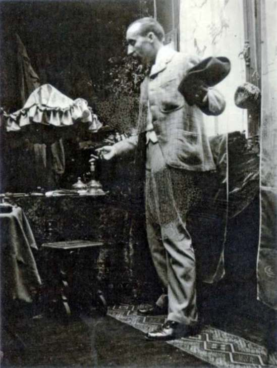 Alphonse Marie Mucha. Paul Gauguin 1893 Via muchafoundation