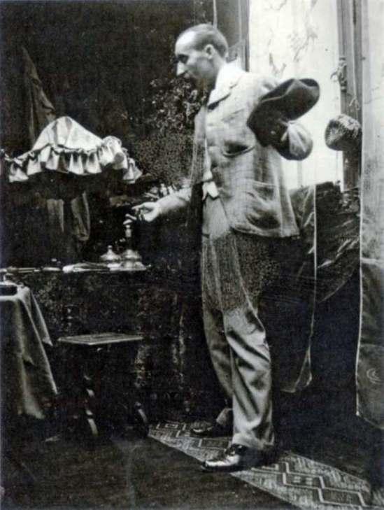 Alphonse Marie Mucha. Paul Gauguin 1893 Via muchafoundation
