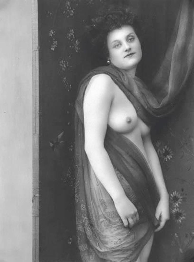 Alphonse Marie Mucha. Untitled (study of a woman) 1918  Via mutualart