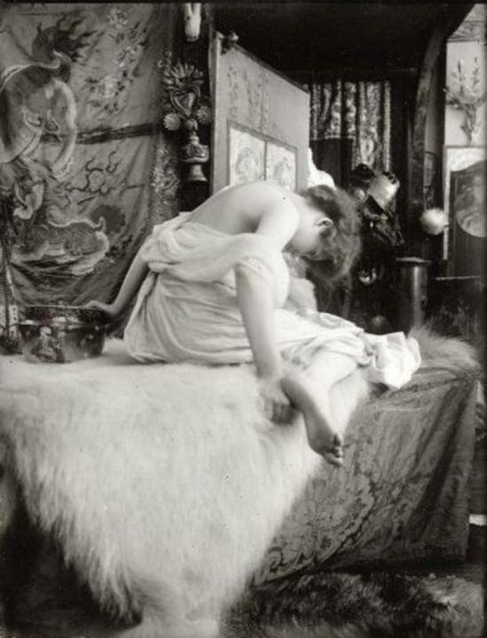 Alphonse Marie Mucha5. Model posing in Mucha's studio, rue du Val de Grâce 1901 Via muchafoundation