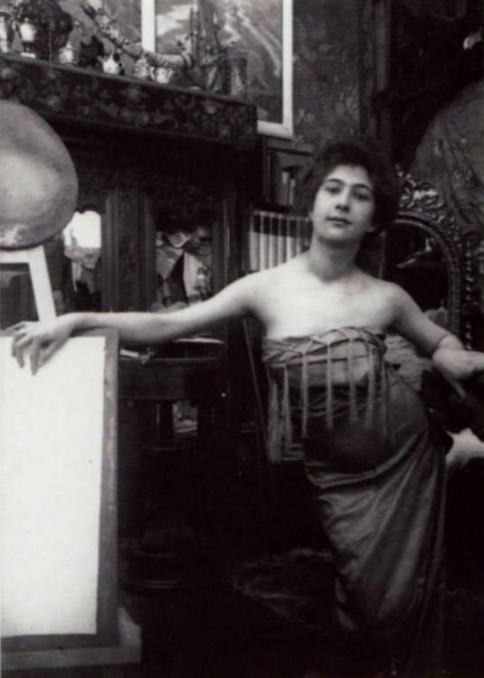Alphonse Marie Mucha8. Model posing in Mucha's studio rue du Val de Grâce 1900 Via muchafoundation