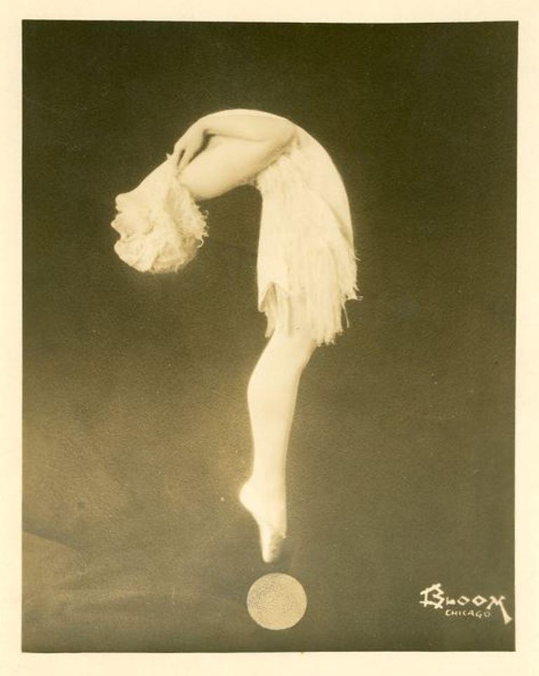 Bloom. Harriet Hoctor 1920-1930 Via historicalzg