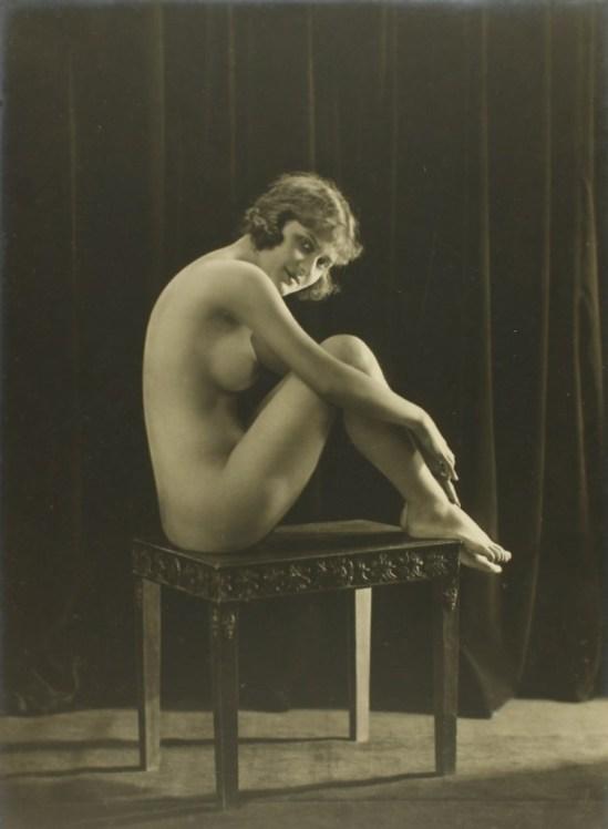 Dorothy Wilding. Clarte de soleil 1910-1920 Via liveauctioneers