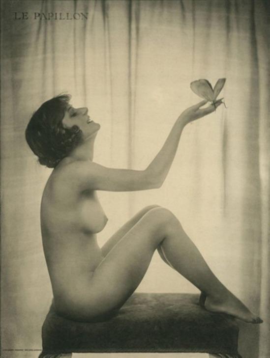 Dorothy Wilding. Le papillon années 1920 Via mutualart