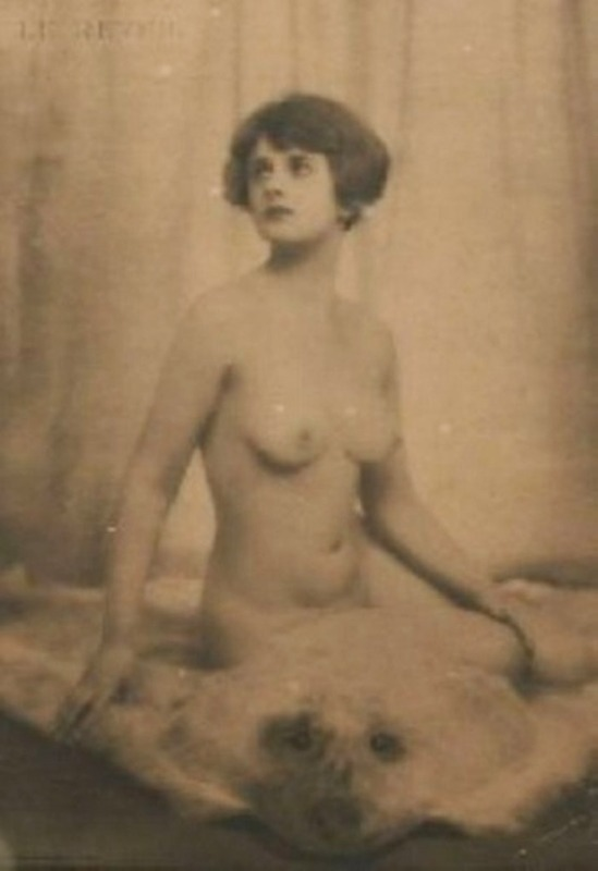 Dorothy Wilding. Le réveil années 1920 Via mutualart