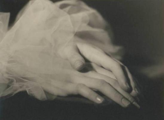 Emilio Sommariva. Mains d'Anna Penagini 1935 Via lombardiabenicultura