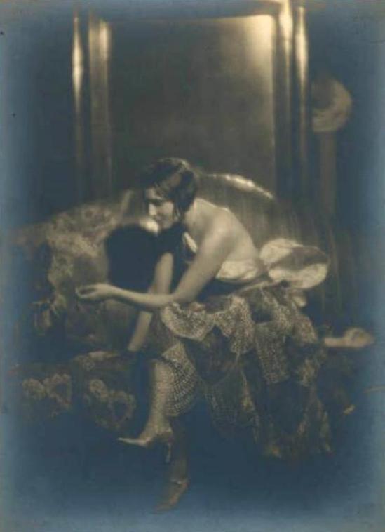 Emilio Sommariva1. Eva Farren 1923-1925 Via lombardiabenicultura.