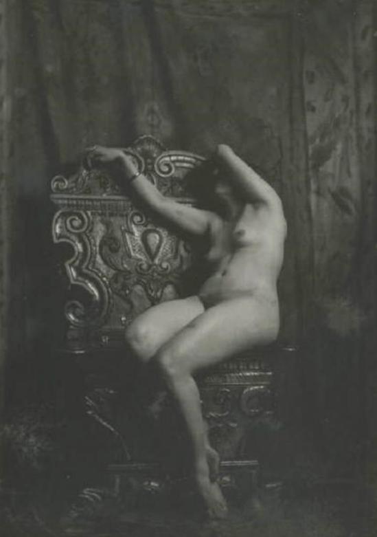 Emilio Sommariva21. Nu féminin 1916-1924 Via lombardiabenicultura
