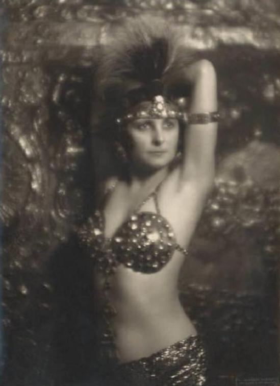 Emilio Sommariva3. Eva Farren 1923-1925 Via lombardiabenicultura.