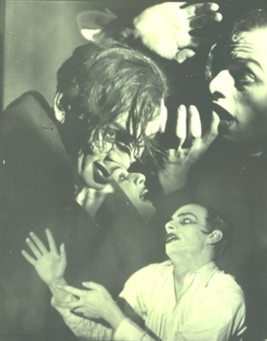 Francis Bruguiere.  The Way. Sebastian Droste et Rosalinde Fuller 1923-1925 Via geh.org