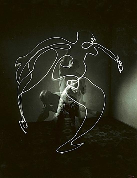 Gjon Mili. Pablo Picasso 1949 Via mutualart