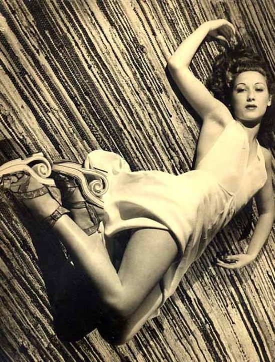 Lucien Lorelle. Catherine Damet 1940 Via collectorebooks
