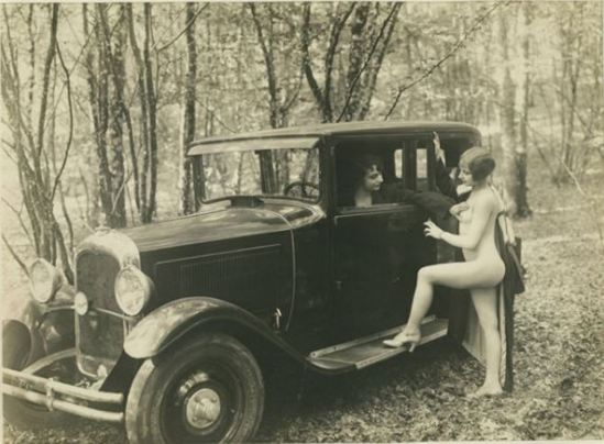 Monsieur X. Nudes and car 1930 Via modernisminc