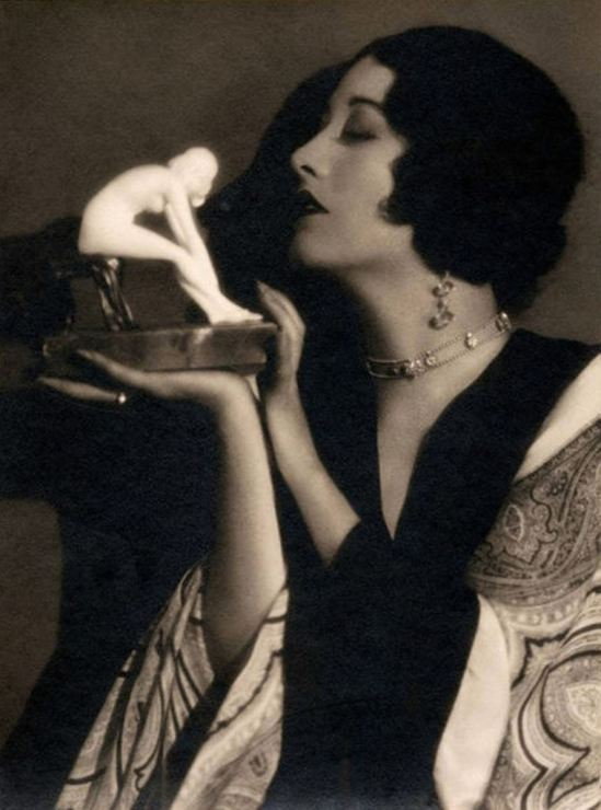 Ruth Harriet Louise. Joan Crawford  1930 Via wiki