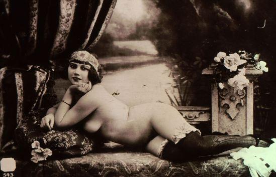 1900-ODALISQUE-ETUDE-NU-FILLE-CURIOSA-BAS-DIADEME-CHARME-EKTA-ARCHIVE-ORIGINA Via ebay