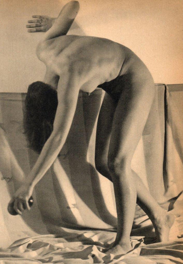 A. Steiner. Nu années 1940 Via ebay