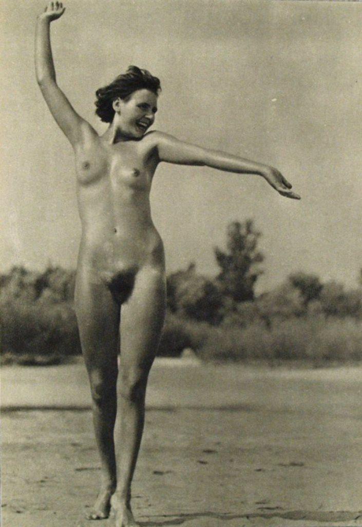Alfred Grabner. Dans les plaines du Danube 1933 Via liveauctioneers