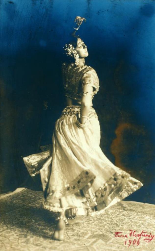 Aura Hartwig. Ruth St. Denis in Radha. (1906)  Via nypl.jpg