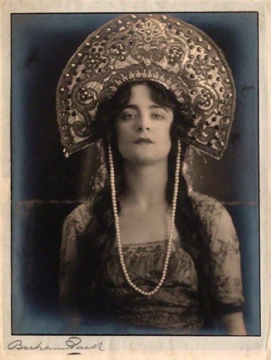 Bertram Park. Harriet Cohen 1920. Via npg