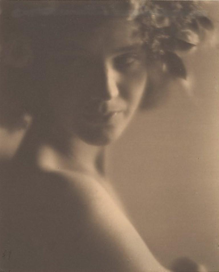 Edward Weston. Sibyl Anikeeff 1921. © Center for Creative Photography