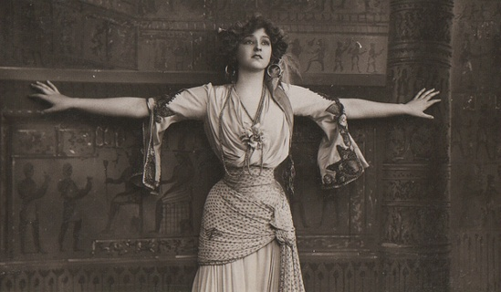 """Gabrielle Ray as """"Frou Frou"""" in """"The merry widow"""" 1907 Via flickr"""