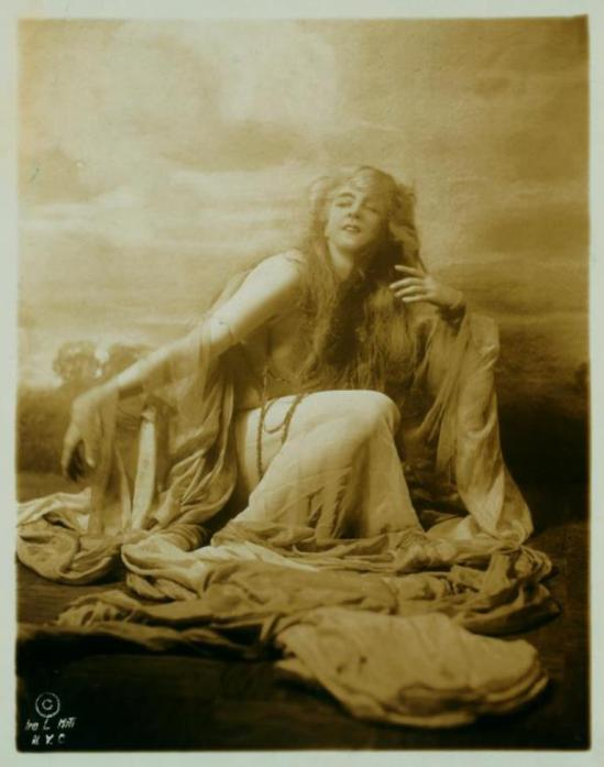 Ira Lawrence. Ruth St Denis in Spirit of the Sea. (1922) Via nypl