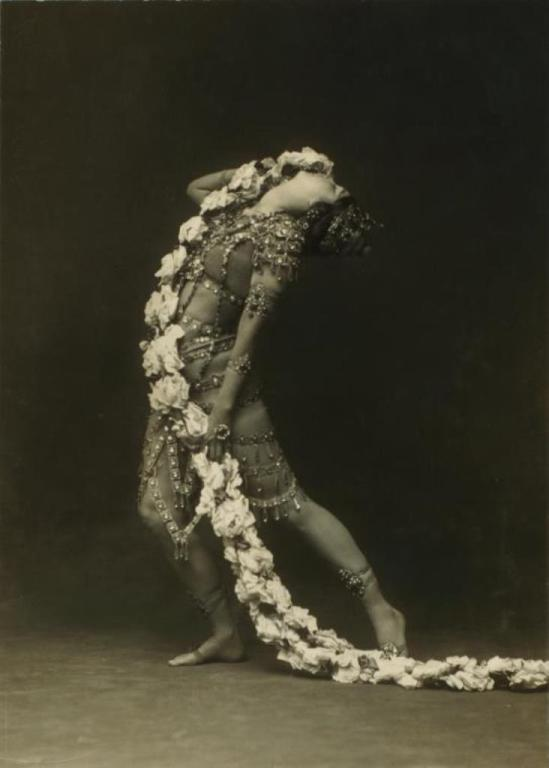 Otto Sarony. Ruth St. Denis in Radha. (1908) Via nypl