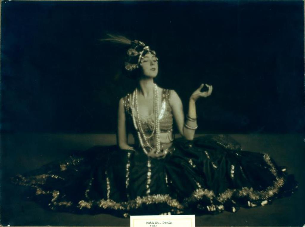 Ruth St. Denis in Black and Gold Nautch. (1916) Via nypl