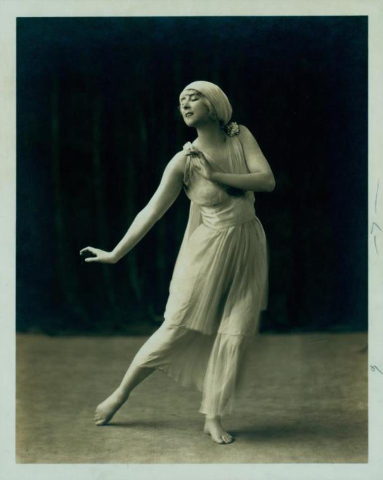 Ruth St. Denis in Scherzo Waltz. (ca. 1916) Via nypl
