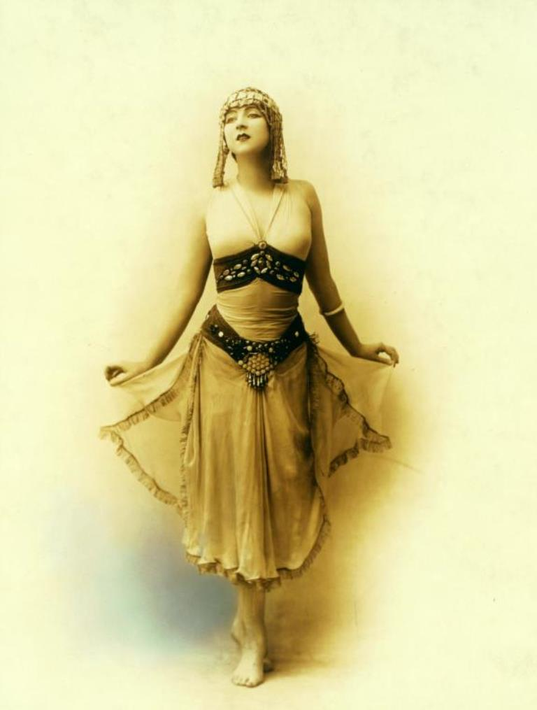 White Studio. Ruth St. Denis in costume for dance created and performed at one performance only in honor of Dr. Anna Shaw at the McAlp 1912 Via nypl