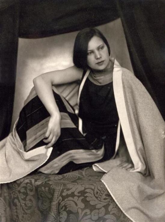 Carlo Wulz. Portrait de Marion Wilz vers 1920-1925 Via RMN