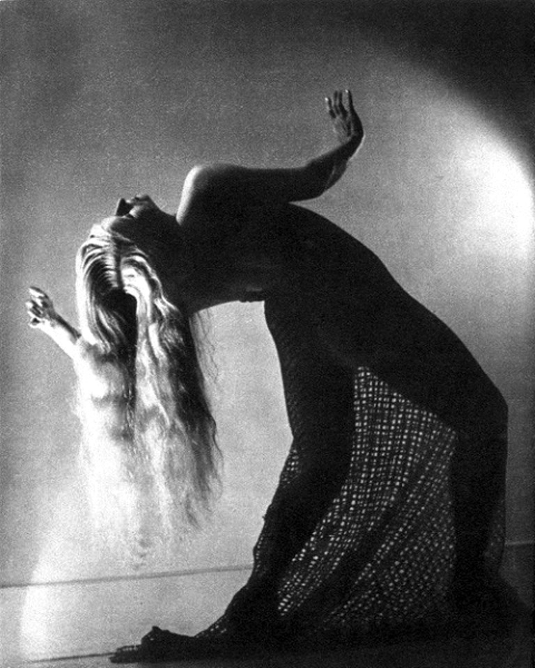 Philippe Halsman. Enchantress. Lilliput 1939. Via the happyhypocrite