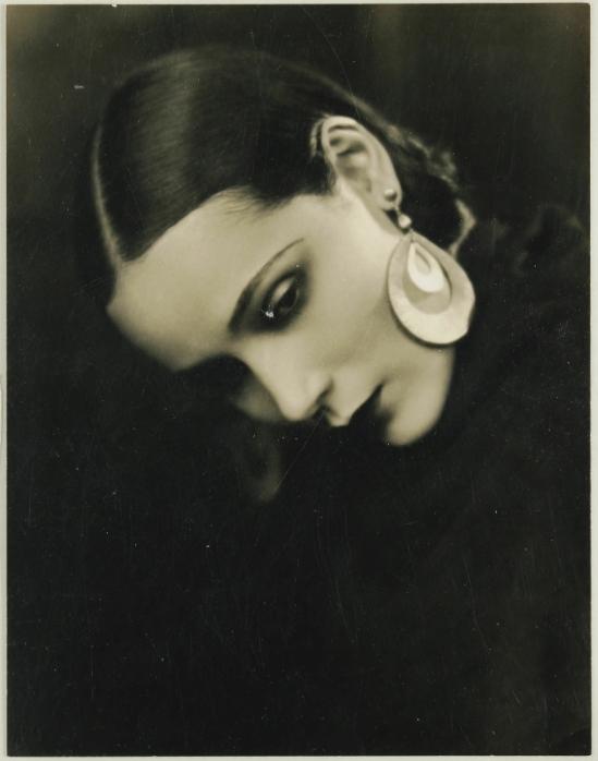 George F. Cannons . Portrait of Dolores del Rio 1920's Via theredlist