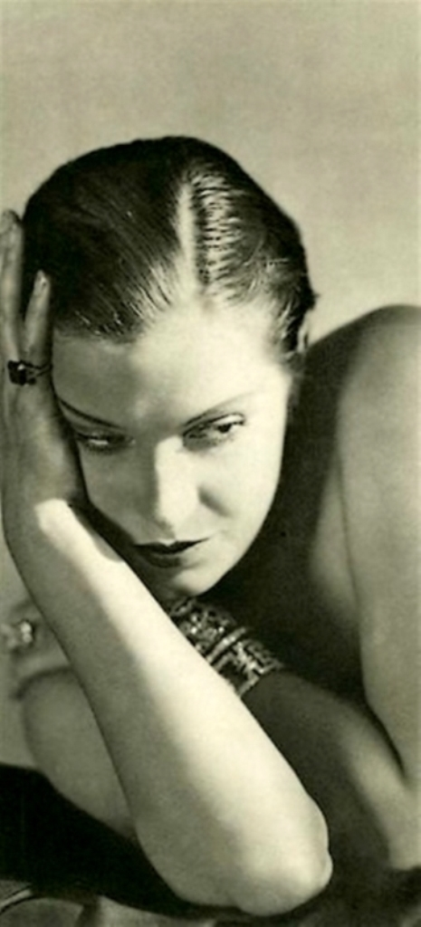 George Hoyningen- Huene. Damita pour Vogue. Photogravure 1930