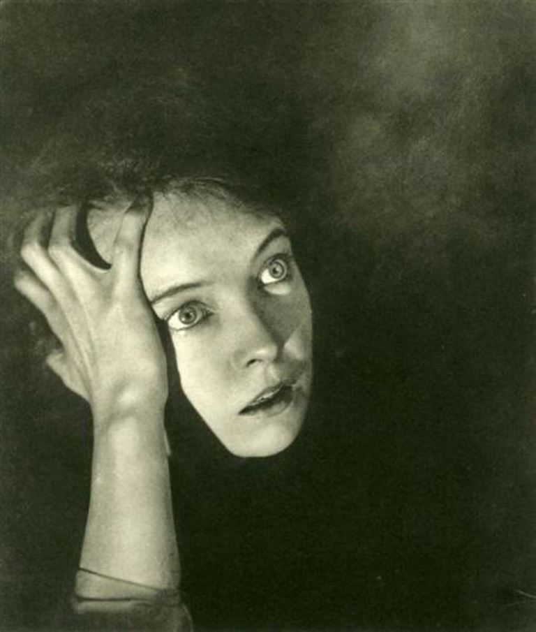 George Hoyningen-Huene. Lilian Gish 1930