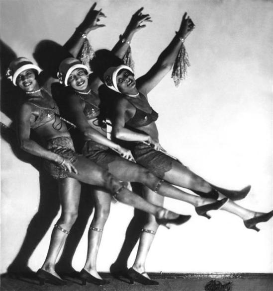 Hans Robertson. La Revue Nègre du Nelson-Theater à Berlin 1932 Via RMN