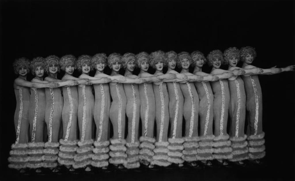 Hans Robertson. Les Alfred Jackson Girls dans le Wintergarten de Berlin 1922 Via RMN