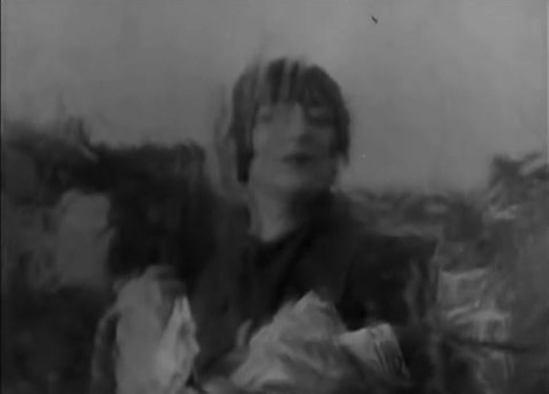 Kiki de Montparnasse dans l'Etoile de mer directed by Man Ray 1928