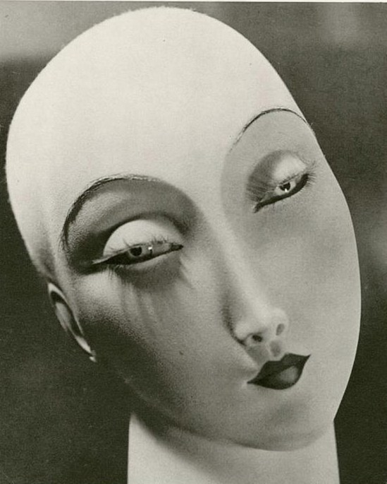 Erwin Blumenfeld. Dummy 1933 Via invaluable