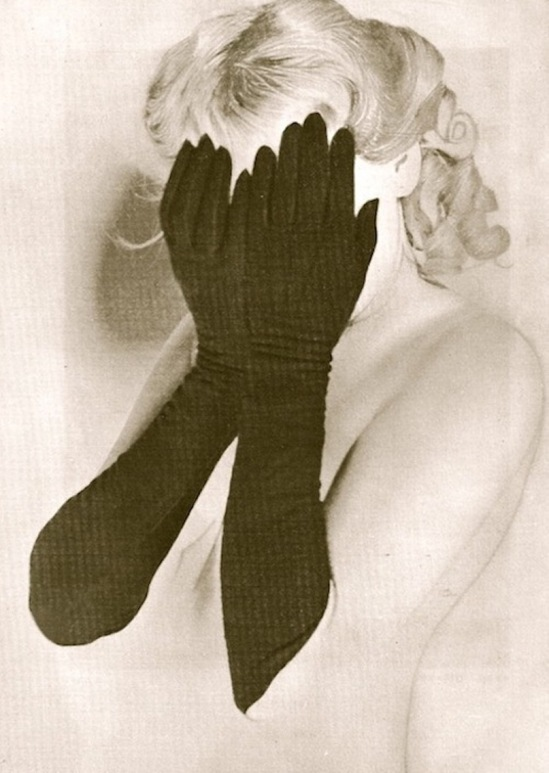 Erwin Blumenfeld. Hidden 1938 Via photographyandarthistoryrocks.com
