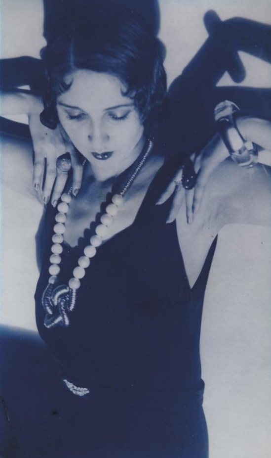 Jacques Henri Lartigue. Renée Perle 1931 Via mutualart
