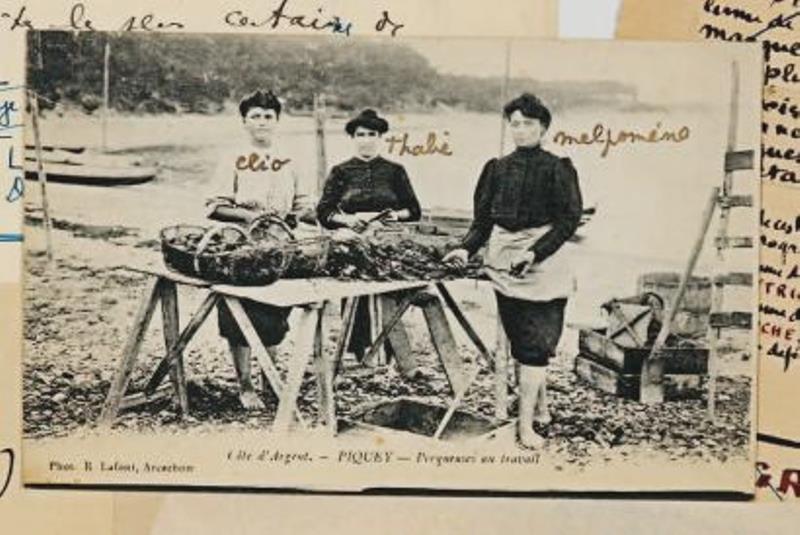 Jean Cocteau. Carte postale autographe, signée [à B. Grasset]. Piquey, 17 Août 1923 Via drouot