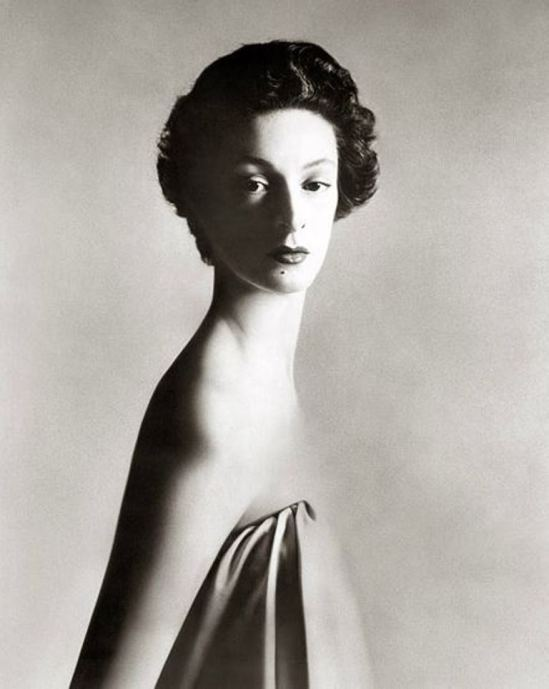 Richard Avedon. Marella Agnelli 1953 Via richardavedon.com