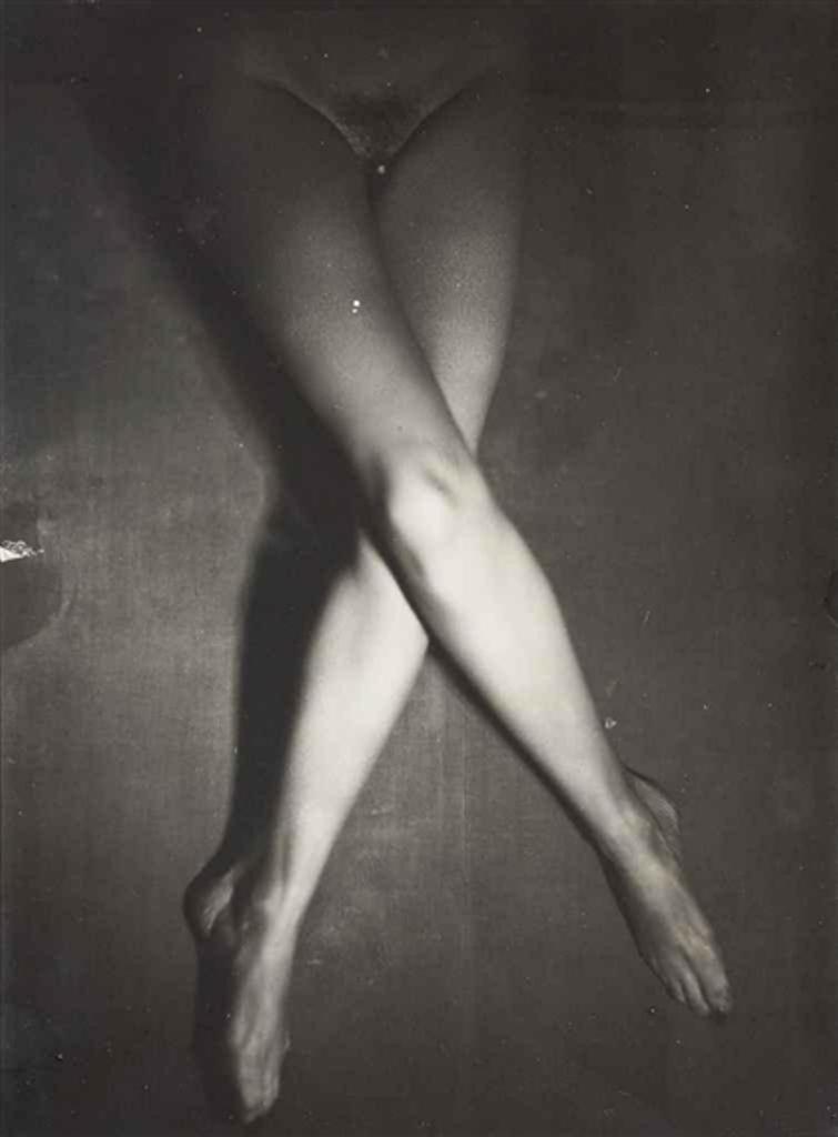 Albert Rudomine. Les Jambes de Suzy Solidor  1940 Via mutualart