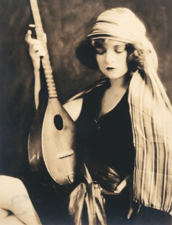 Alfred Cheney Johnston. Clara Bow 1920 Via liveauctioneers