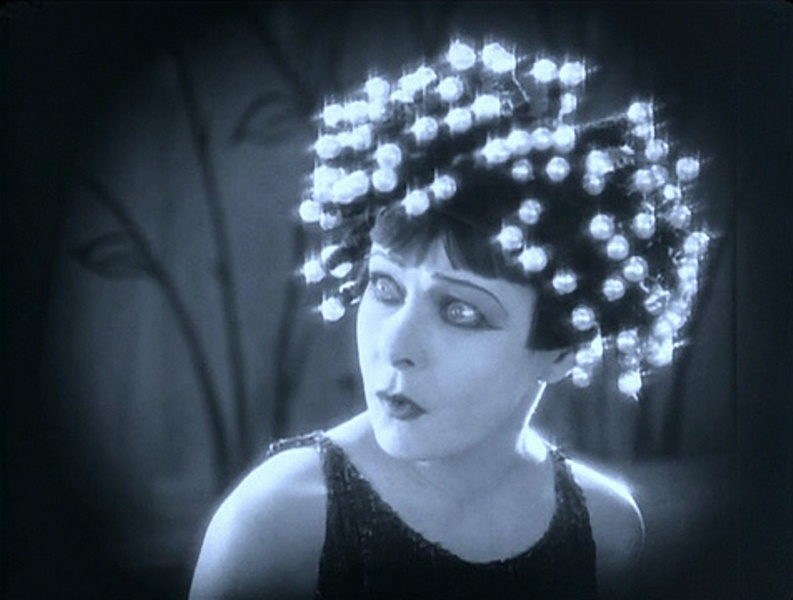 Alla Nazimova2 in Salomé 1923, directed by Charles Bryant