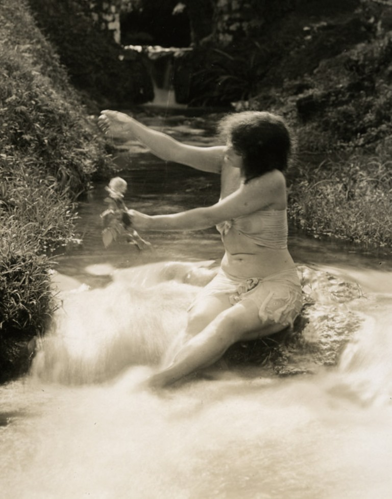Annette Kellerman in A daughter of the gods 1916 Via ebay