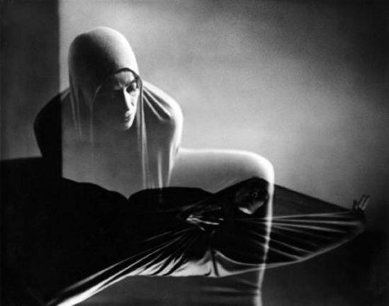 Barbara Morgan. Martha Graham, Lamentation 1935-1980 Via haggertymuseum